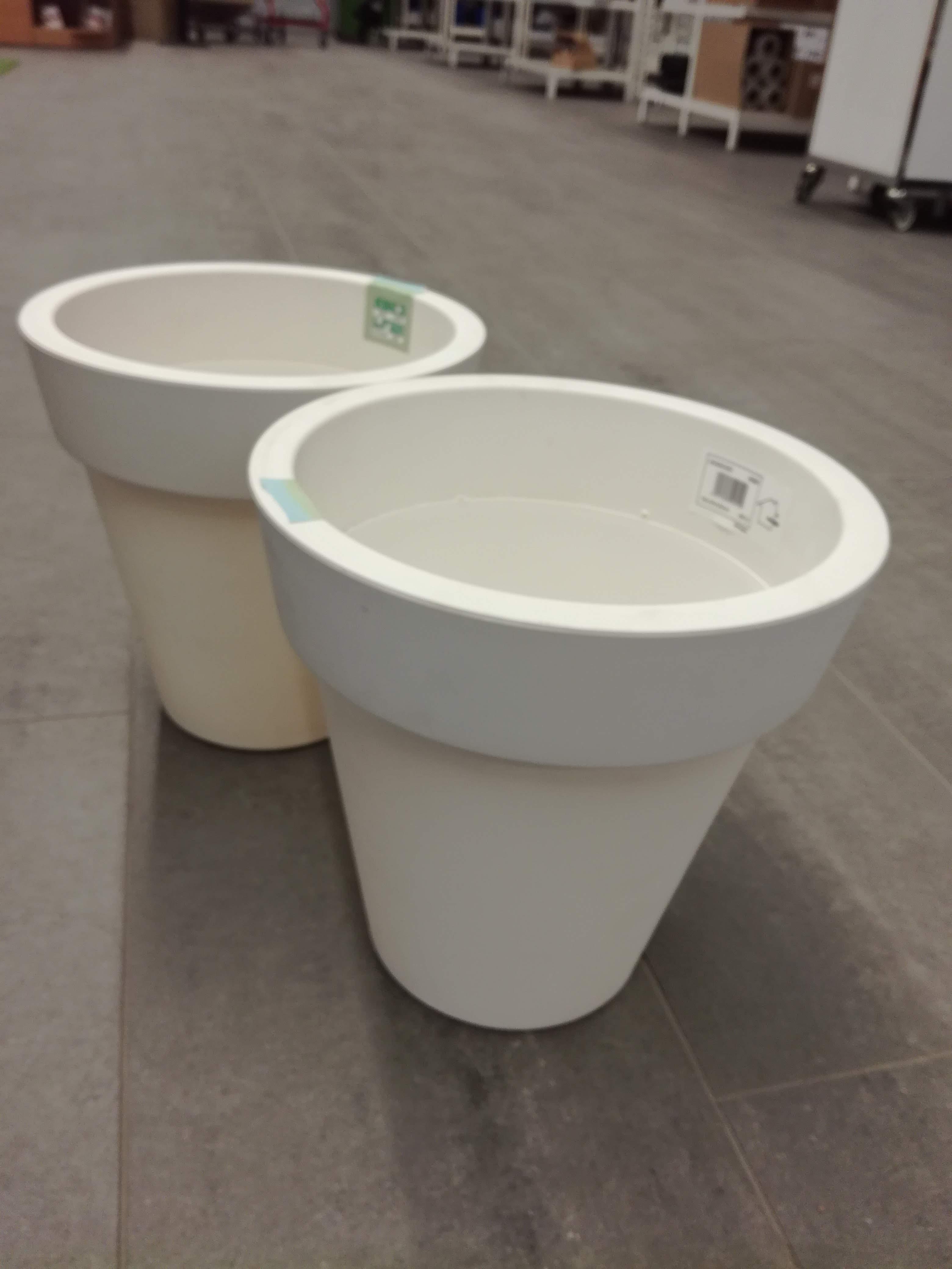 Pyöreä, korkea ruukku 30 x 30  cm valkoinen 2 kpl