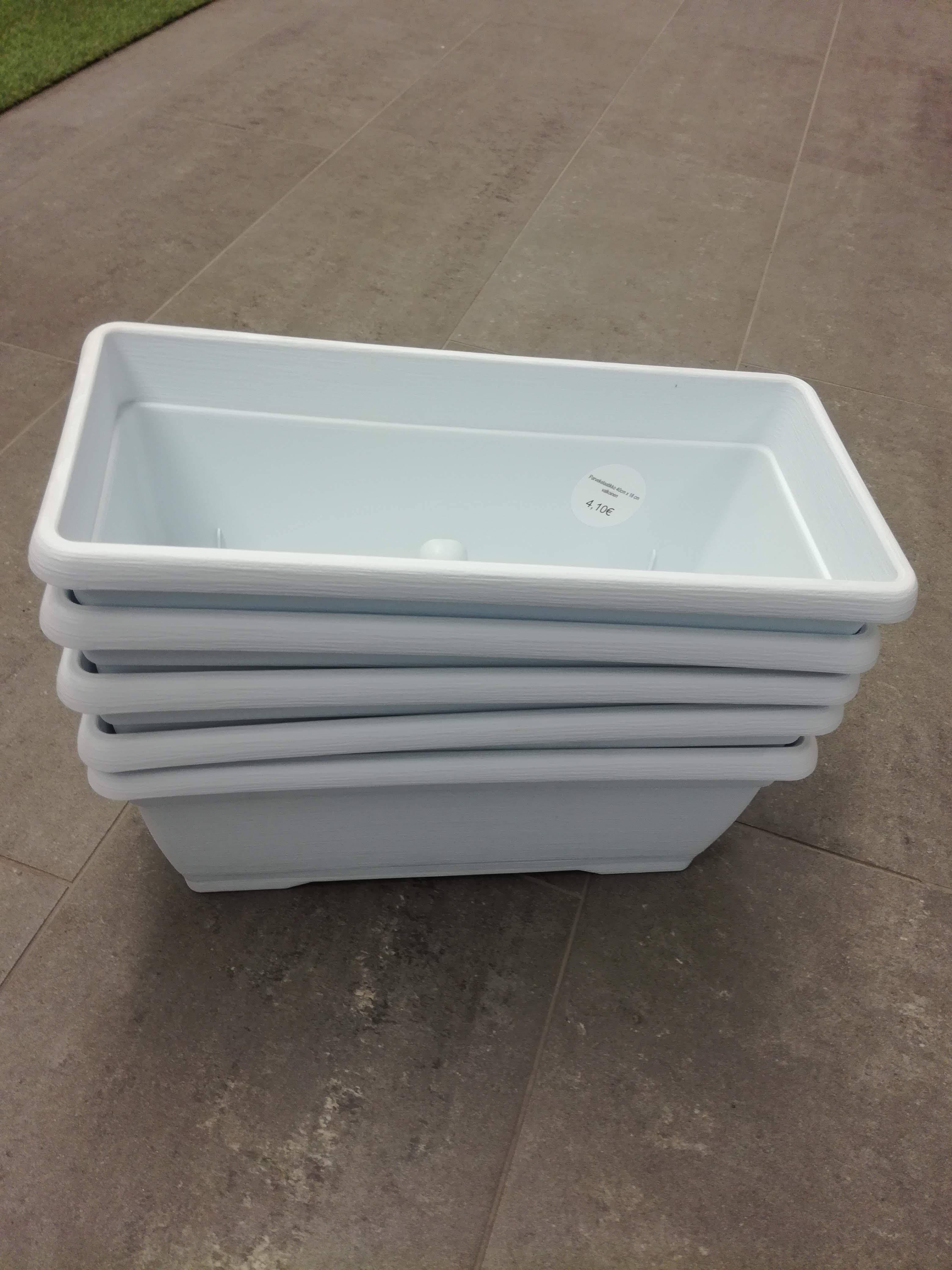 Parvekelaatikko 80cm x 18cm, valkoinen 4 kpl