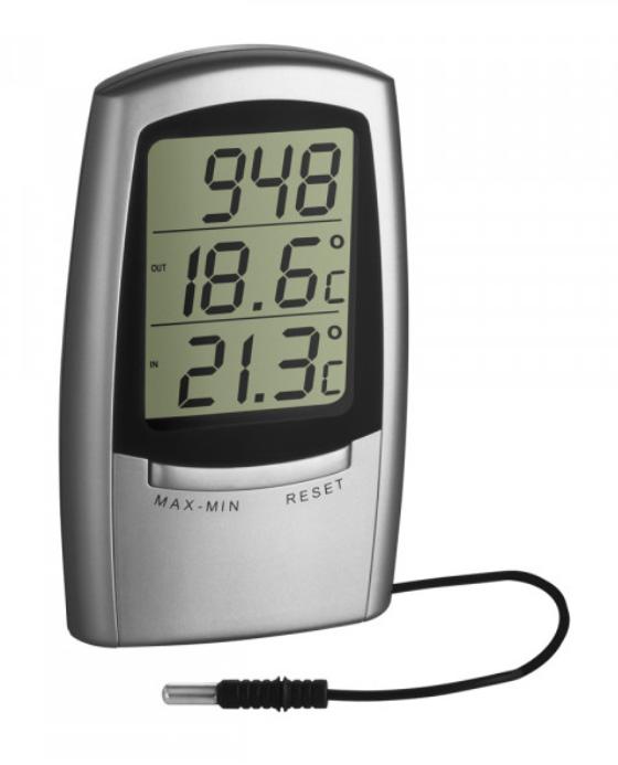 Lämpömittari, sisä- ja ulkolämpötila sekä kellonaika